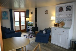 Sea Rocket Cottage sitting dining room