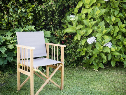 deck chair in the garden of Foss self-catering holiday cottage